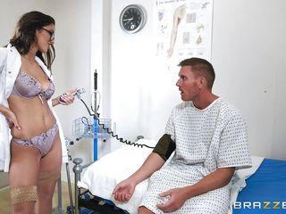 Секс видео врач на дом