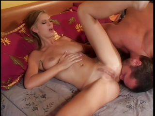 Красивое порно молодой пары