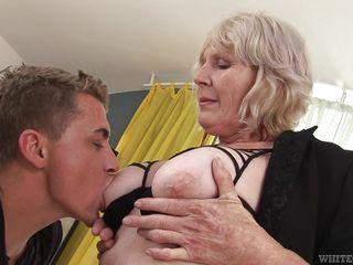 Полненькие бабушки порно фото